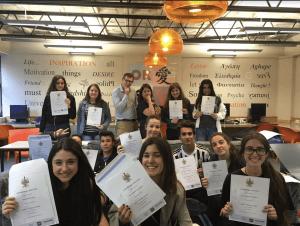 Gap year connectors plus estudiar extranjero
